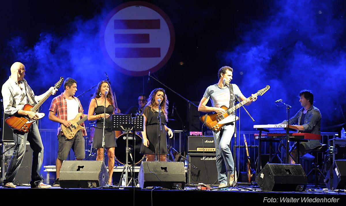 Music Aid For Emergency & Los Quinchos_201508