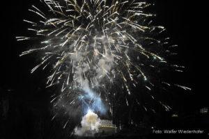Silvester Feuerwerk Schloss Braunsberg Lana 09