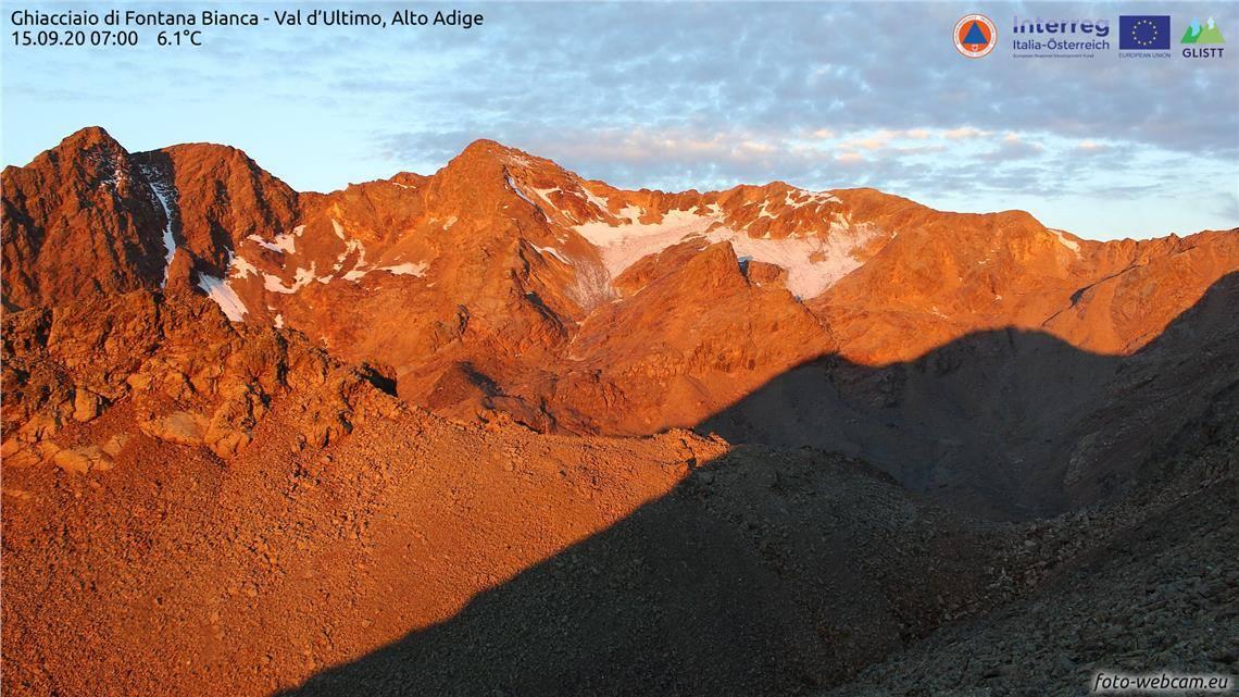 Augen auf die Gletscher im Bild der Weissbrunnferner im Ultental Foto WebcamGLISTT