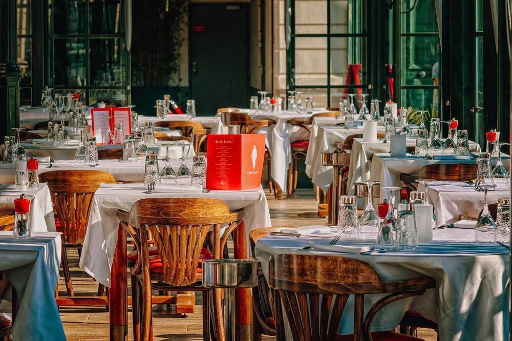 Ab 6. April 2021 werden 1.200 Restaurants und Pizzerien in ganz Italien zum Mittag- und Abendessen öffnen