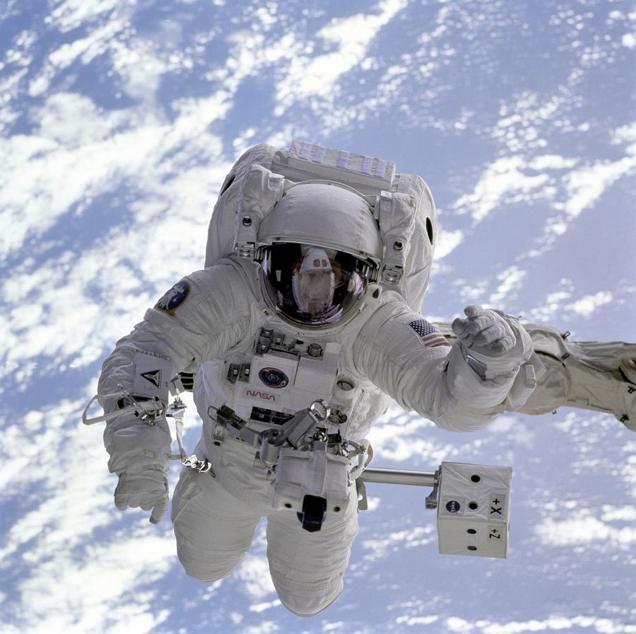 Die meisten Astronauten sind auch Funkamateure, wie ESA-Astronaut Mathias Maurer