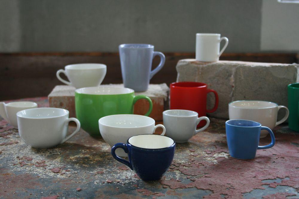 Noch einfarbige Tassen im Schrank?