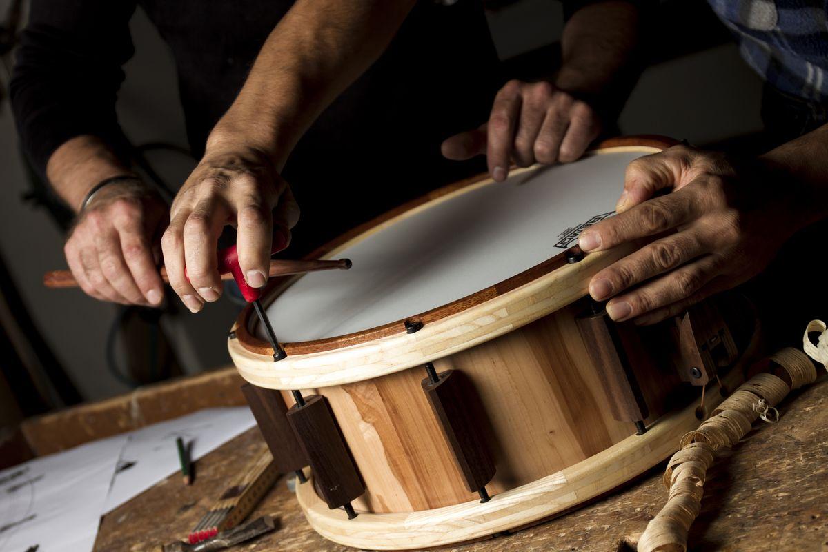 100% Handarbeit! - Eine Leidenschaft für Tischlerei und Schlagzeug - Die Bauweise der Up-Drums - Made in South Tyrol