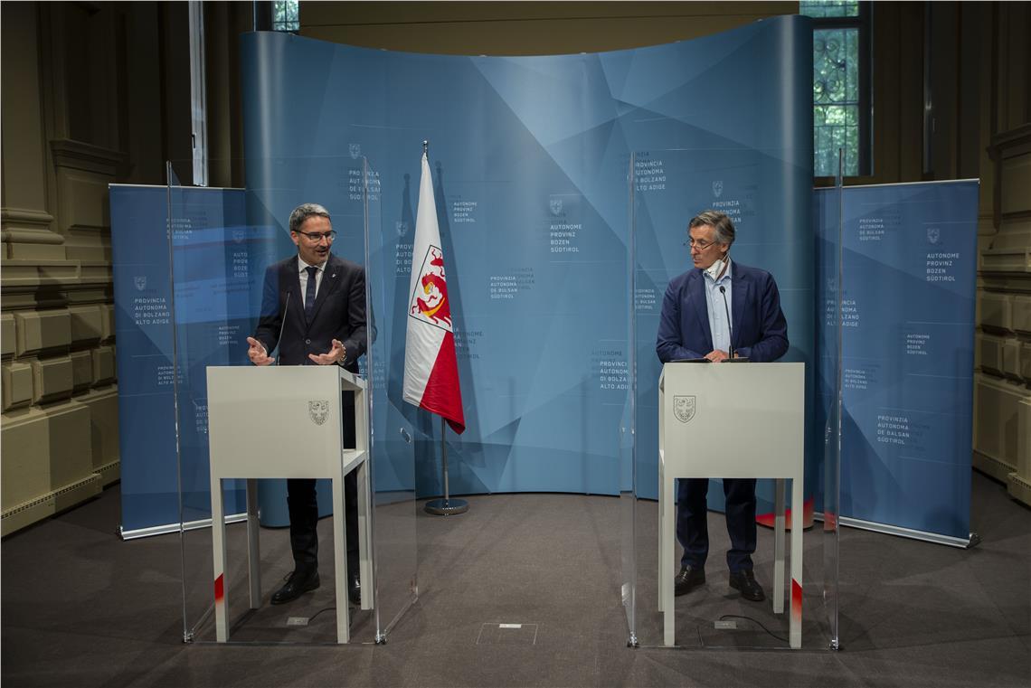Mit dem digitalen COVID-Zertifikat der EU, das ab 1. Juli 2021 auch für Südtirol gilt, sowie mit dem aktuellen Stand in puncto Corona-Impfungen hat sich die Landesregierung heute (22. Juni 2021) befasst.