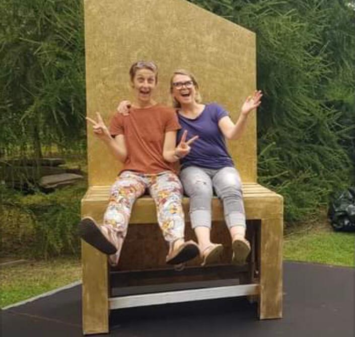 v.l.n.r.: Brigitte Knapp und Gabi Renner