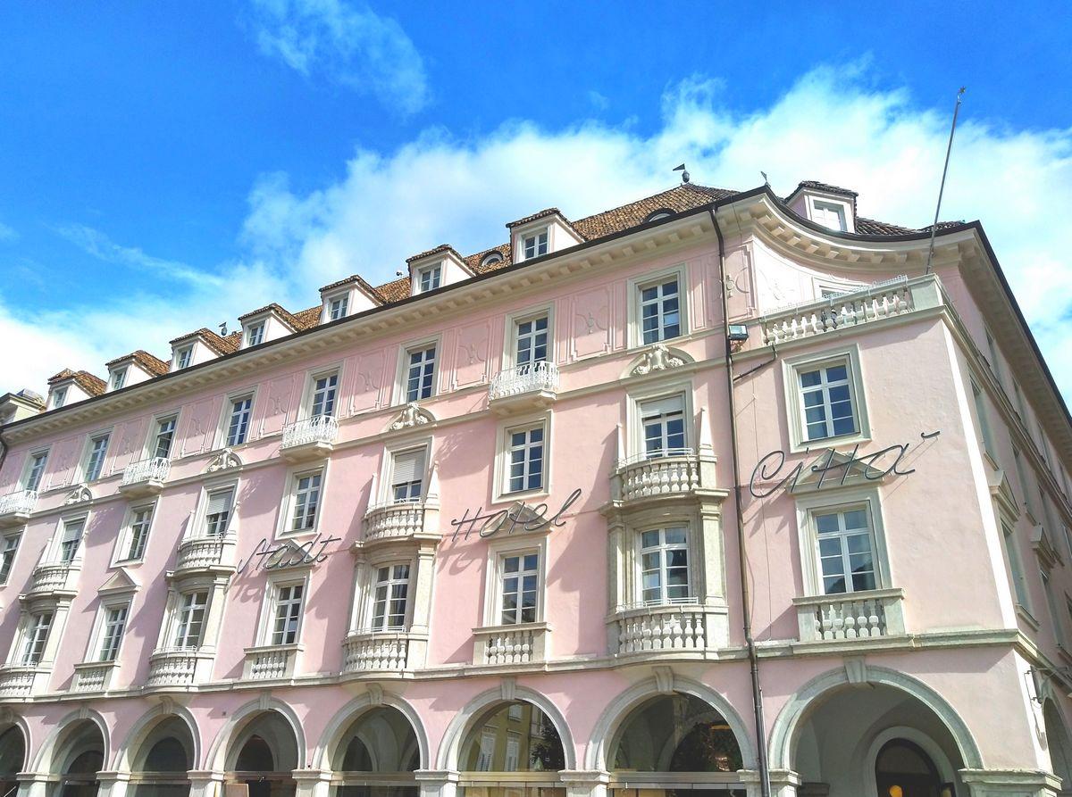 Wiedereröffnung des historischen Stadt Hotel Città in Bozen