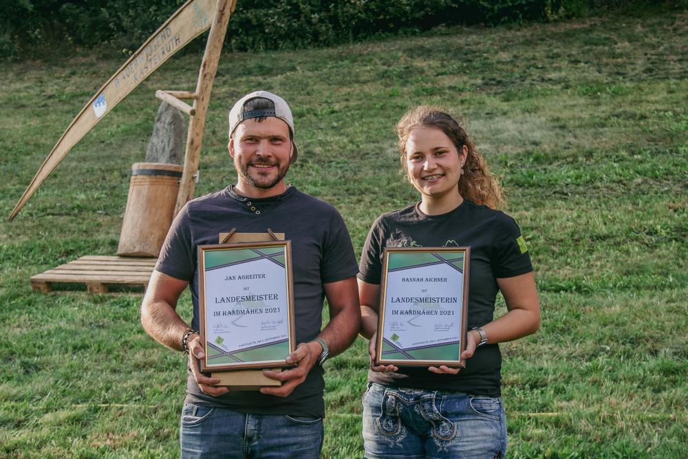 Der Landesmeister Jan Agreiter aus Enneberg und die Landesmeisterin Hannah Aichner aus Pfalzen freuten sich riesig über ihren Sieg